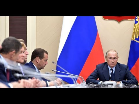 THE BOSS: Angry Putin Slams Russian Minister of Transport For Not Doing His Job!