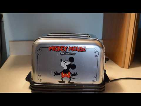 Sanyo Disney MICKEY MOUSE Musical Toaster Chrome Plays Its A Small World 2-Slice