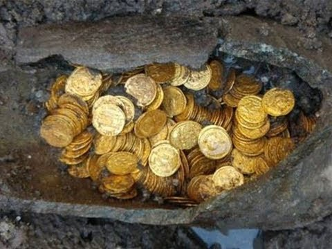 Archaeologists In Italy Unearthed 300 Roman Gold Coins – And The Treasure Could Be Worth Millions