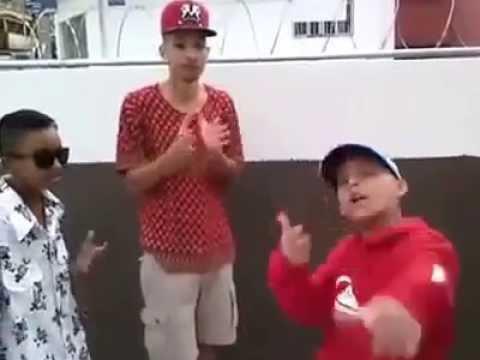 MC Pedrinho MC 2K e MC Brinquedo   Medley Pesado 2014