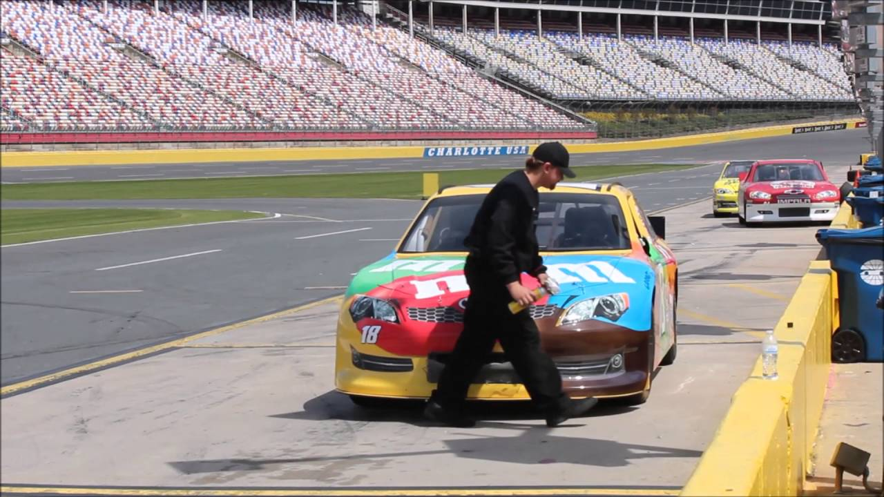 2016 nascar driving experience charlotte motor speedway for Charlotte motor speedway driving experience