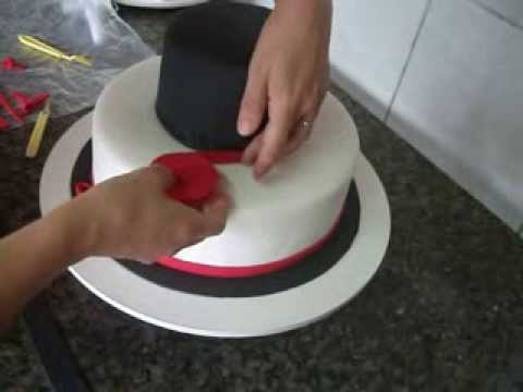 bolo pasta americana vermelho e preto_bellbolos