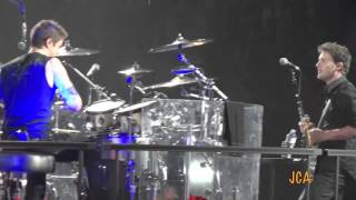Nickelback Covers LMFAO I 39 m Sexy and I Know It - Hartford CT - April 27 2012.mp3