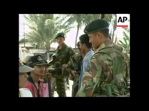 EAST TIMOR: DILI: BRITISH GURKHAS ARRIVE