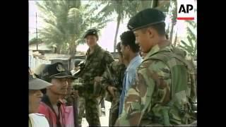 EAST TIMOR: DILI: BRITISH GURKHAS ARRIVE