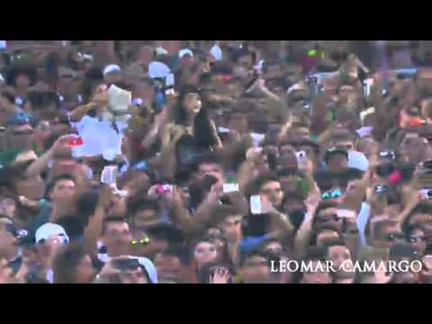 Gusttavo Lima - Gatinha Assanhada (ABERTURA DO SHOW NO CALDAS COUNTRY 2012)