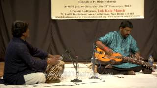 Indian cassical musician Ajay Pandit Jha playing Mohan Veena