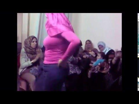 رقص  مرة  مربربة وتبان طيزها thumbnail