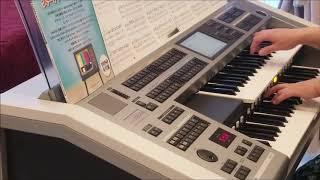 先日発売された曲集から弾いてみました。 楽譜どおりに弾いていない箇所...
