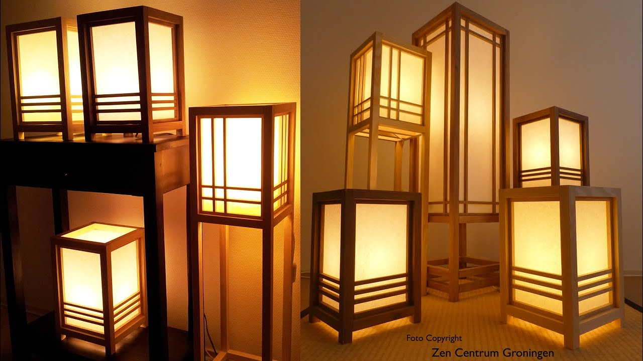 Japanse lamp handgemaakt / Japanese lamp handmade. Hout & washi papier, from wood & Washipaper