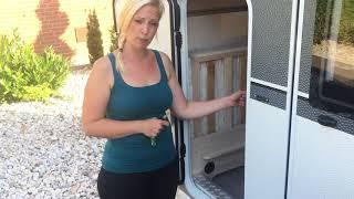 Wohnwagen Hobby DeLuxe 490 KMF #3 Seitenklappe und Heckgarage