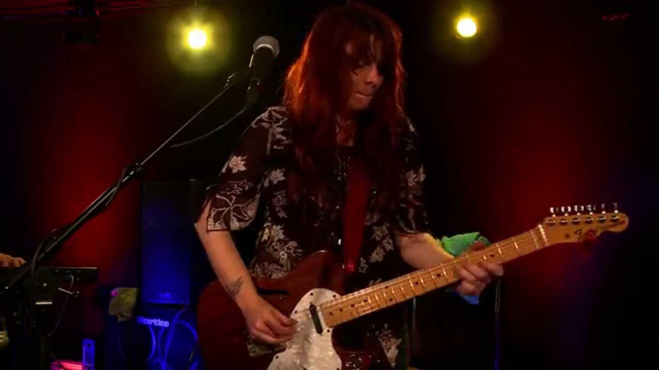 100 Best Female Guitar Players | Spinditty
