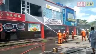 Enam kedai terbakar
