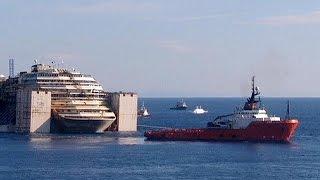 Costa Concordia: il relitto salpato dal Giglio destinazione Genova