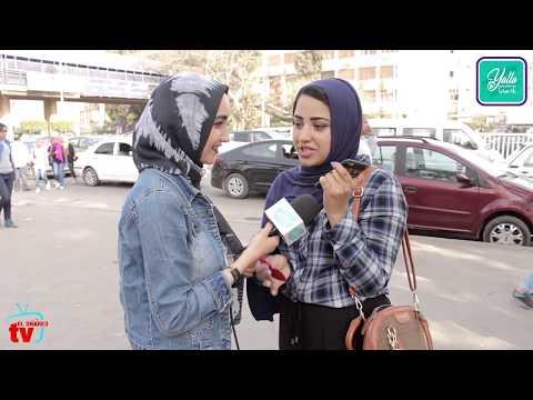 اتصل بأمك وقولها انا مش هاجيبلك هدية عيد الام بس عاملك مفاجاة تانية  ضحك السنين