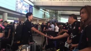 วอลเลย์บอลหญิงทีมชาติไทยเดินทางถึงจีน (2558-05-18)