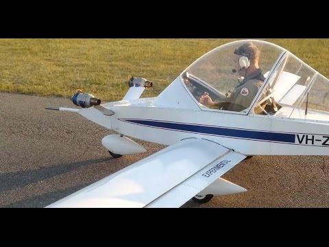 Самодельный реактивный микросамолет CriCri Jet.