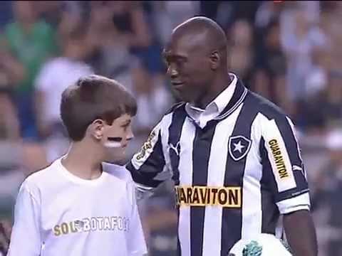 """Apresentação do Clarence """"Seedorf"""" a torcida do Botafogo - Campeonato Brasileiro 2012"""