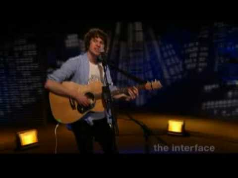 The Kooks - She Moves In Her Own Way (live The Interface, Spinner)