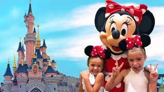 Las Ratitas con las princesas y mickey en DisneylandParis