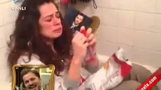 Özge Özpirinççi Engin Altan Düzyatan Sevgililer Günü Sürpriz Videosu   Beyaz Show