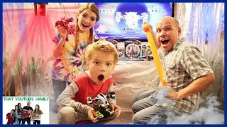 BOX FORT SPACE STATiON Battle For Atlas! / That YouTub3 Family