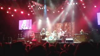 Mott the Hoople live at the O2 18.11.2013 Hymn for the Dudes Ryan
