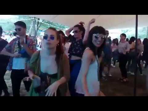 Putochinomaricón hace despegar el festival Flop