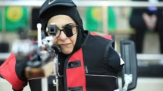 سجلت حضورها الأول في بطولة العالم للرماية.. عائشة الشامسي تتحدى الإعاقة وترمي أهدافها بالقدم