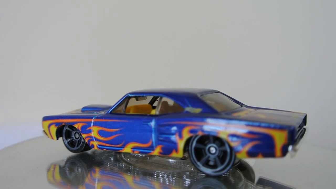 2013 Hot Wheels 69 Dodge Coronet Superbee Classic American Muscle