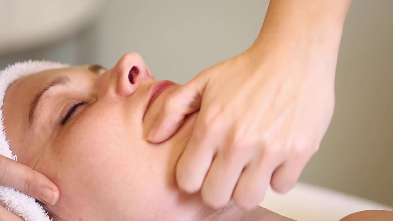 Cum se face un masaj vindecător și relaxant pentru umeri și gât - Sciatică