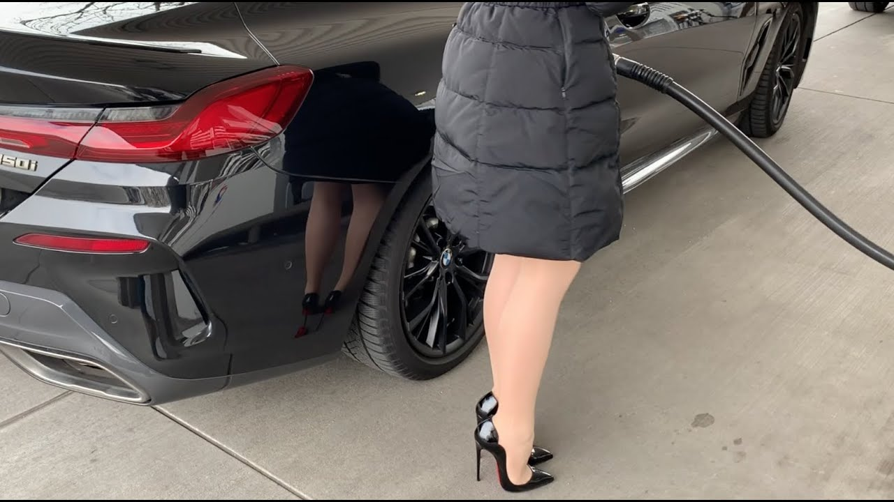 Bupshi - BMW M850 & Louboutin Hot Chick