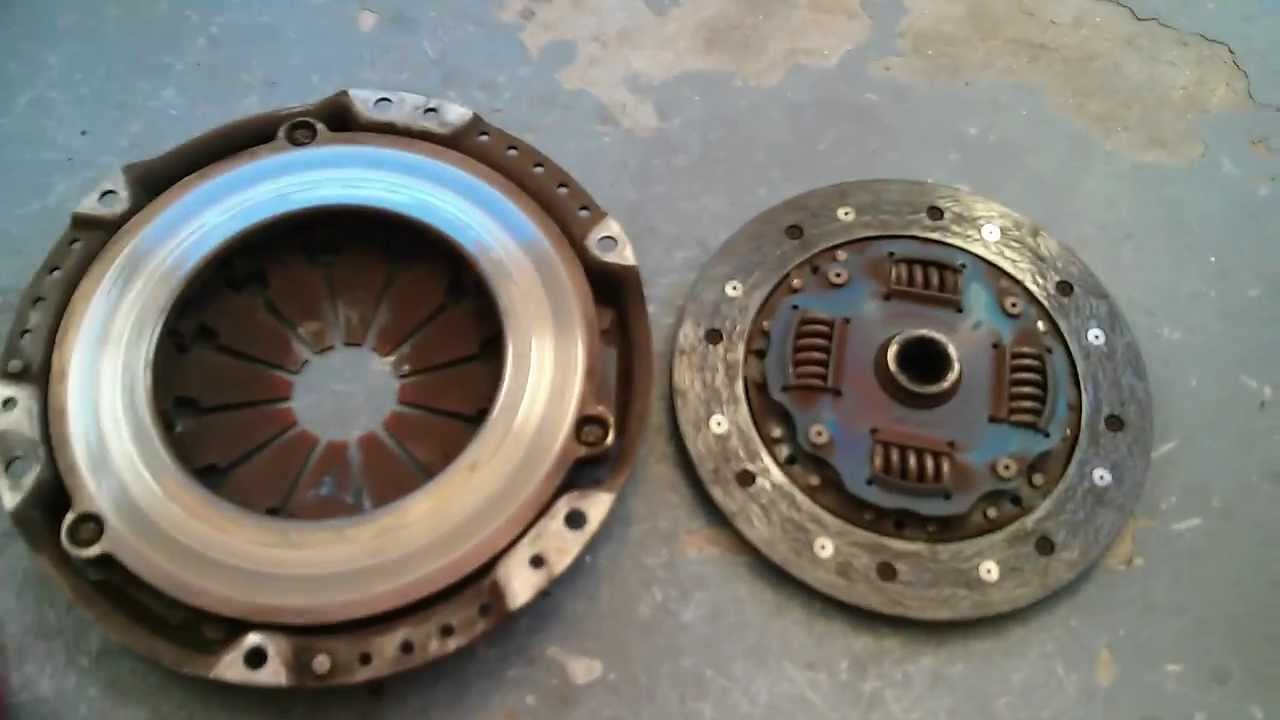How a Bad Worn Out Clutch disc and Pressure Plate Looks Like Civic
