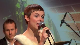 "Kat Edmonson performs ""Oh My Love"" on Saturday Sessions"