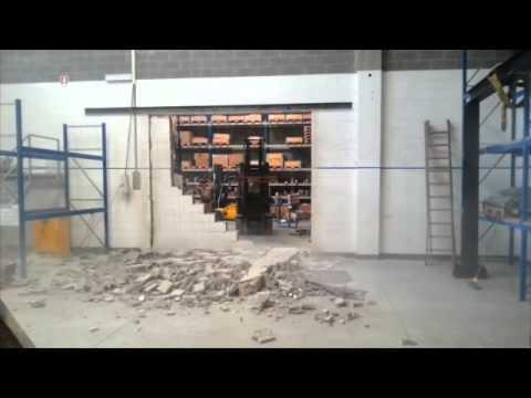 Armanetti demolizione parete youtube - Tracce su muri portanti ...