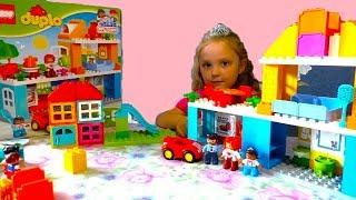 Из ЛЕГО дупло Семейный дом Мы играем в конструктор для детей Lego Duplo 10835