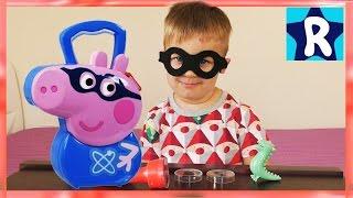 Рома Супергерой и Свинка Пеппа КЕЙС ДЖОРДЖ Играем в Темноте Peppa Pig George Pig Super Hero