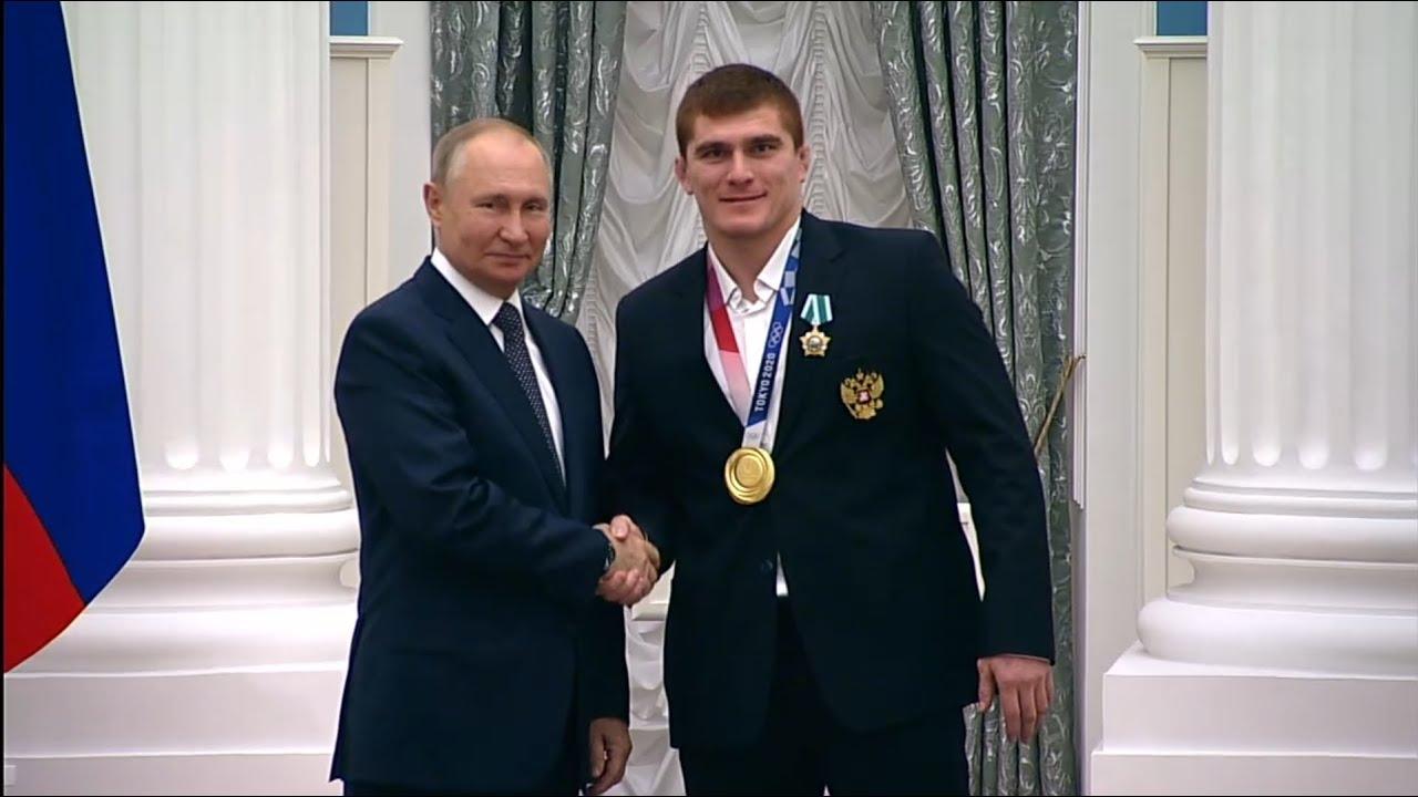Download Владимир Путин вручил государственные награды победителям Игр XXXII Олимпиады вТокио