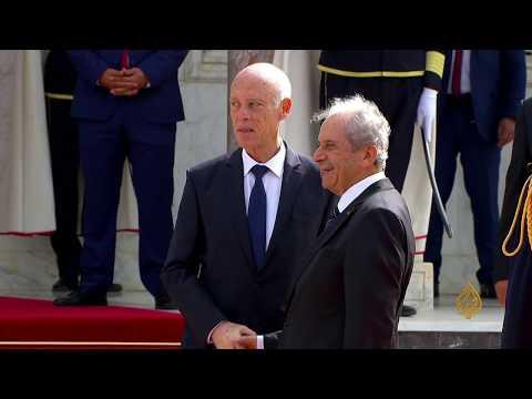 ???? لحظة دخول الرئيس التونسي إلى قصر قرطاج لاستكمال مراسم تسلم السلطة  - نشر قبل 3 ساعة
