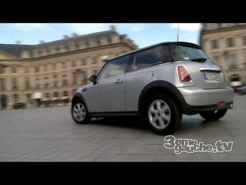 autopartage louer une mini cooper l 39 heure dans paris 6euros de l 39 heure youtube. Black Bedroom Furniture Sets. Home Design Ideas