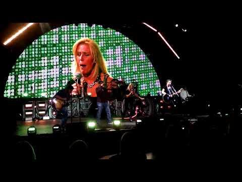 Nickelback LIVE Karaoke My Wife on stage singing ROCKSTAR!  Washington State Fair 9-1-17