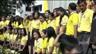 ประชาชนสวมใส่เสื้อเหลืองเฉลิมพระเกียรติ