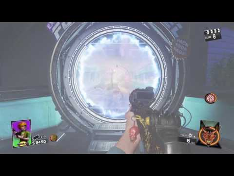 Zombies in spaceland gameplay