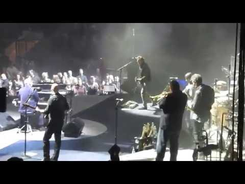 Born to Run - Billy Joel at Madison Square Garden 11-21-16