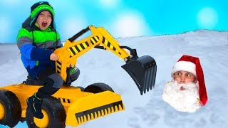 Спасаем бедного САНТУ...Funny Baby Unboxing And Assembling on Tractor Buldozer!