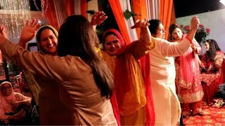 Latest kashmiri wedding song - Chi Kyazi Ghamgeen Kaensi Vonya - Singer Moin Khan
