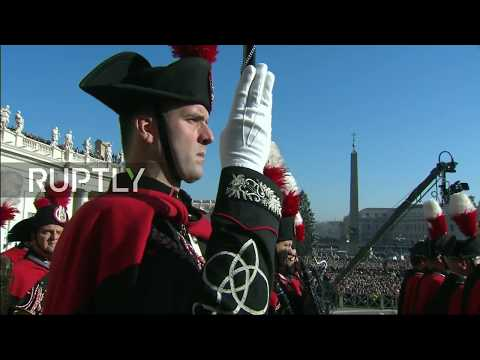 LIVE: Pope Francis delivers 'Urbi et Orbi' message from ...