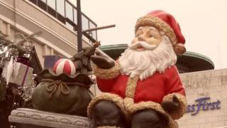 Der größte Weihnachtsbaum, der Welt steht auf dem Weihnachtsmarkt Dortmund