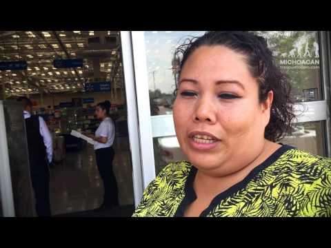 """Empleados de Walmart protestan por pagos """"raquíticos"""""""