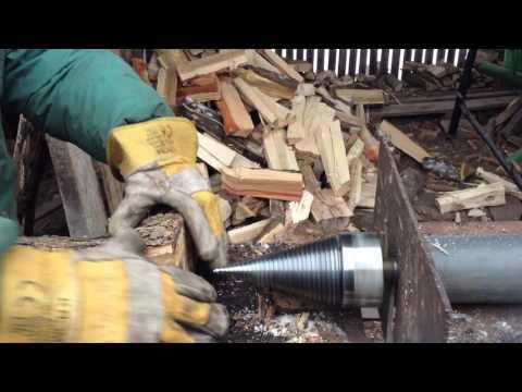 Spărgător de lemne cu, con